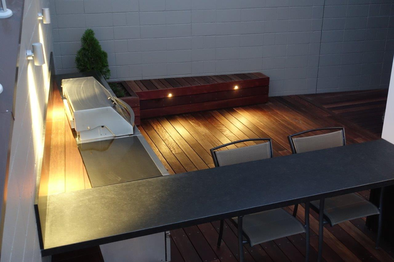 Outdoor Kitchen with bbq bench top and deck